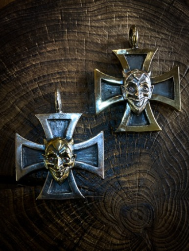 IRON CROSS SPARKLE EYES DEVIL PENDANT