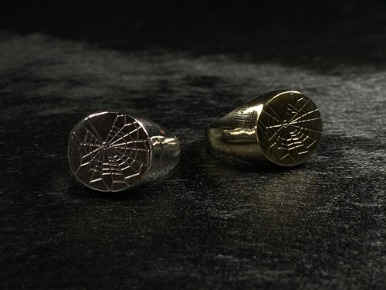 SPIDERWEB SIGNET RING